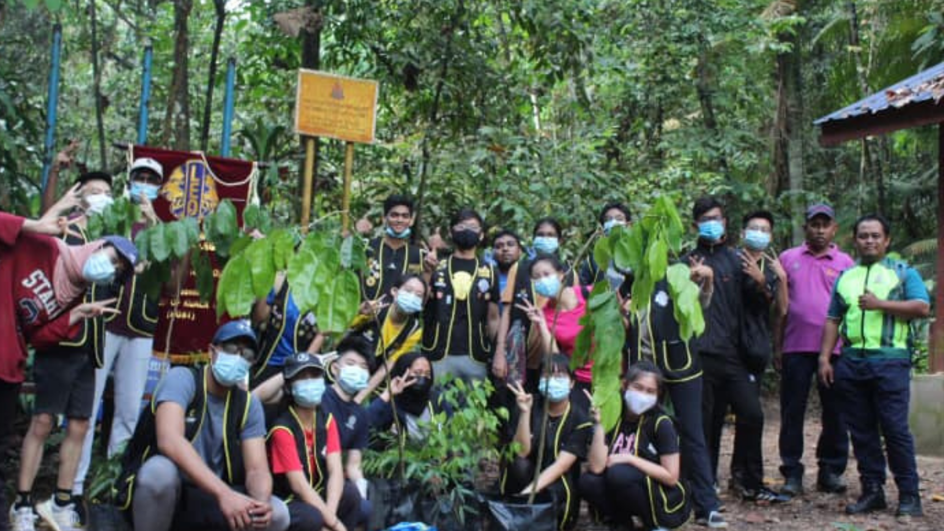BAC Leo Club Gives the Gift of Nature